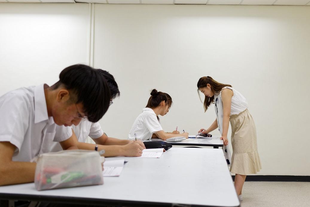 substitute teacher class